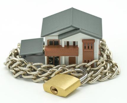 Il clutter è il nemico n.1 della tua casa, scopri come liberartene per sbloccare i tuoi spazi